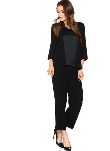 House Of Camellia House Of Camellia 71Isi V Yaka Uzun Kol Regular Fit Kadın Bluz Siyah
